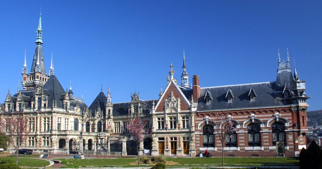 Vue d'ensemble du Palais Bénédictine