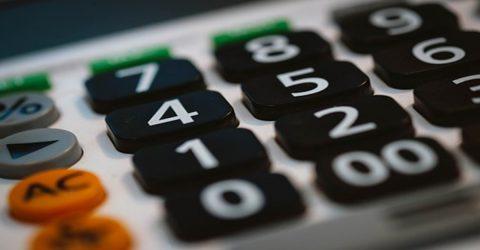 Le budget de l'Agglomération - Gros plan sur touches d'une calcultatrice