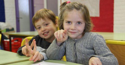 portraits d'enfants au centre de loisirs